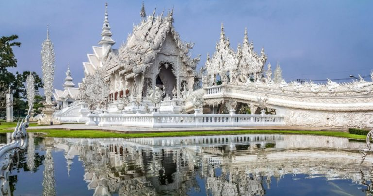 White-Temple-Chiang-Rai-Thailand-by-Leonard-Low-1024×538