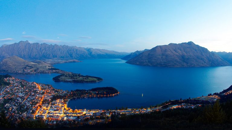 queenstown-new-zealand-wakatipu-lake-1